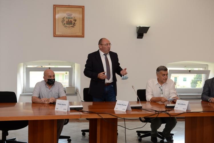 Da sinistra assessore Cisano Pietro Isacchi, sindaco di Cisano Andrea Previtali e Dg Cisano Igino Oliveto